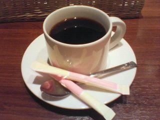 コーヒーには砂糖2つがデフォルト?
