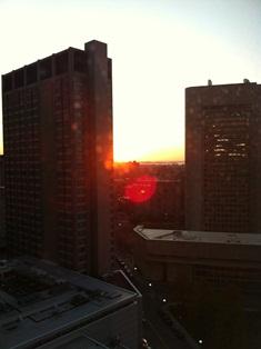 ホテルからの朝日