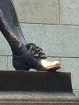 ハーバードさんの左足